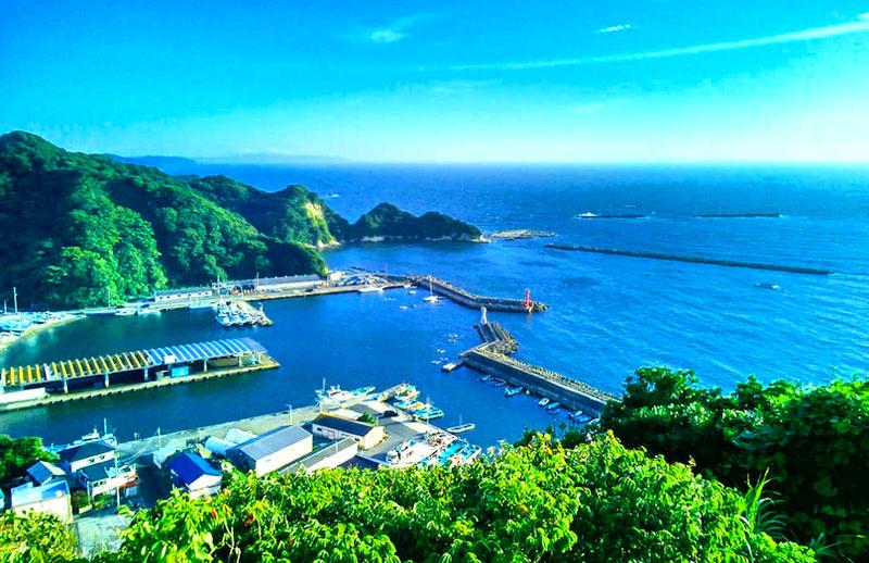 千葉県鋸南町の勝山漁港